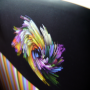 """Exklusive Papiertasche """"farb(t)raum"""" in Schwarz, matt laminiert mit UV Spot Lack, kurze Trageschlaufen aus Baumwolle in Nahaufnahme"""