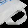 Plastiktüte in Weiß mit Soft Loop Trageschlaufen in Nahaufnahme