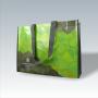 PP Woven Tasche mit aufwendigem, geometrischem Druck und langen Trageschlaufen aus Kunststoff