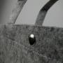 Druckknopf im Öffnungsbereich