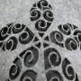 Kleine Filztasche in Grau mit Ausschnitt in Nahaufnahme